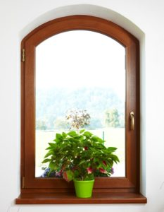 Okno VEKRA s vnitřním parapetem